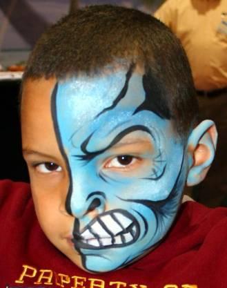 На детском празднике рисунок на лице